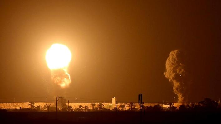 الاحتلال الأسرائيلي يشن غارات على قطاع غزة