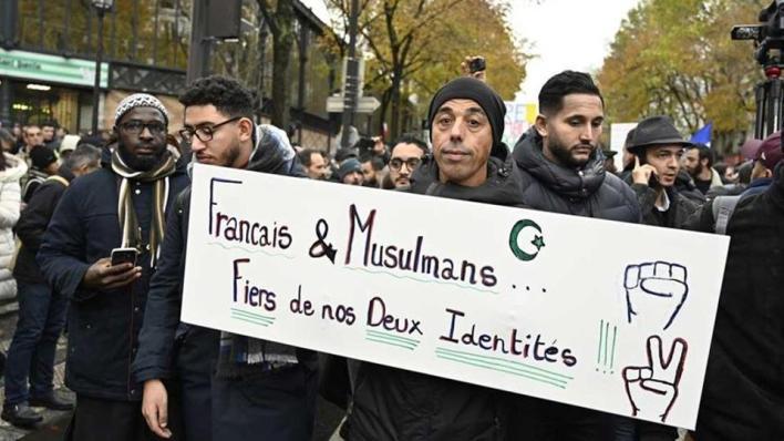 وفقاً لتقارير صحفية، فإن القانون يثير المخاوف من أن يستخدم لاستهداف المسلمين والتضييق عليهم.