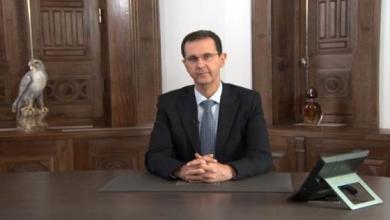 صورة أفيخاي أدرعي يوجه رسالة إلى بشار الأسد.. تتضمن صورة مثيرة