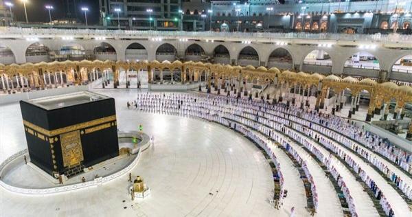 lmsjd lhrm 8 - السلطات السعودية تحدد شروط عودة أداء العمرة