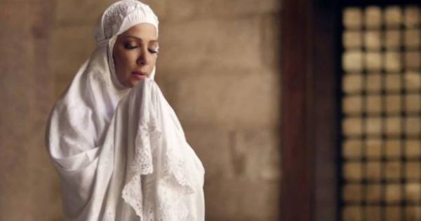 sl 8 - #أصالة_أخرسي.. المطربة السورية تقلب الخليج بأغنية تستند إلى الرسول!