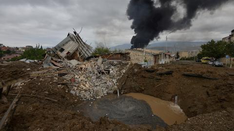 1601810636 9100734 7287 4104 36 403 - قوات أرمينية تقصف مدينة أذربيجانية ومناطق محتلة بقره باغ