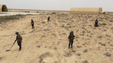 صورة الجيش التركي يزيل ألغاماً زرعتها مليشيات حفتر بليبيا
