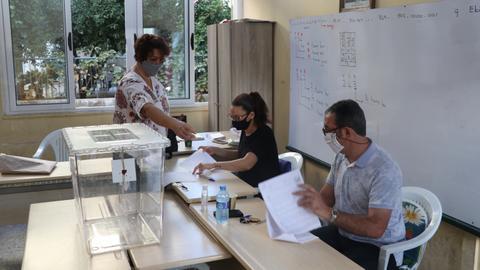 1602406111 9194118 5940 3345 19 625 - قبرص التركية.. بدء التصويت في الانتخابات الرئاسية
