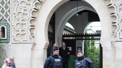 """صورة بحجة """"مكافحة التطرف"""".. فرنسا تغلق 73 مسجداً ومدرسة منذ بداية العام"""