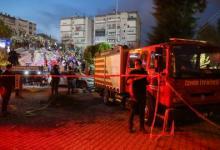 صورة زلزال إزمير.. وفاة 12 شخصاً وفرق الإنقاذ تواصل عملها