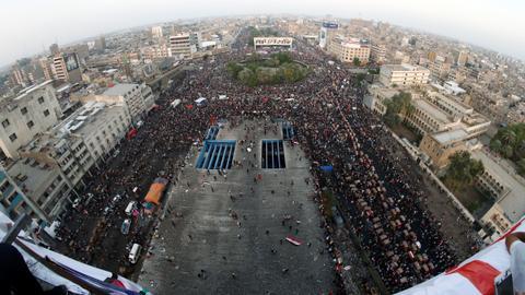 1604140506 5132259 4795 2700 3 6 - الأمن العراقي يُزيل خيام الاحتجاج ويُعيد فتح ساحة التحرير في بغداد