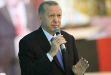 صورة أردوغان يعد بمنازل جديدة للمتضررين من زلزال إزمير