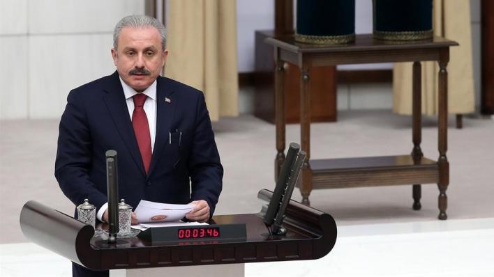 البرلمان التركي يرفع مذكرة احتجاج على تصريحات الرئيس الفرنسي