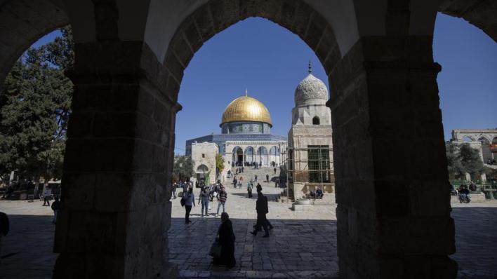 الكاتب السعودي أسامة يماني يزعم أن المسجد الأقصى المذكور في القرآن ليس ذلك الذي يقع في مدينة القدس المحتلة