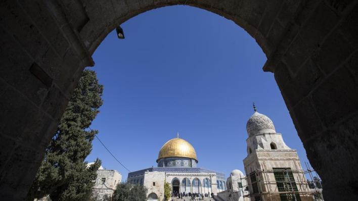 حماس:جرأة الاحتلال الإسرائيلي ومستوطنيه في تنفيذ الانتهاكات ضد مدينة القدس المحتلة والمسجد الأقصى، زادت بعد توقيع اتفاقات التطبيع العربية