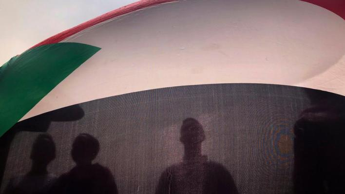 4063115 3747 2110 18 278 - هل يحلّ التطبيع ورفع العقوبات مشكلات السودان الاقتصادية؟
