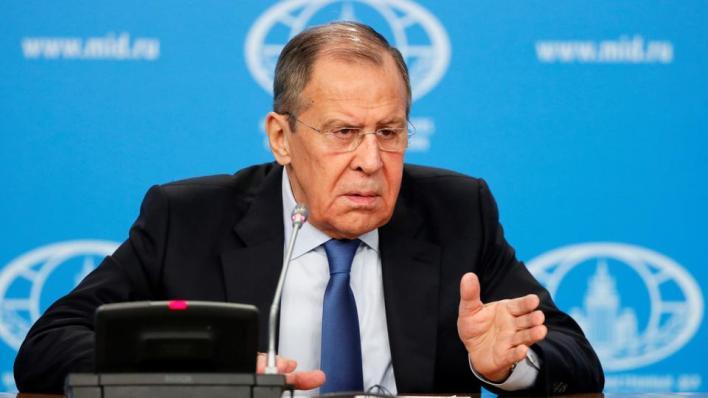 قال وزير الخارجية الروسي إن العلاقات بين روسيا والاتحاد تتدهور بسرعة بسبب قضية نافلني