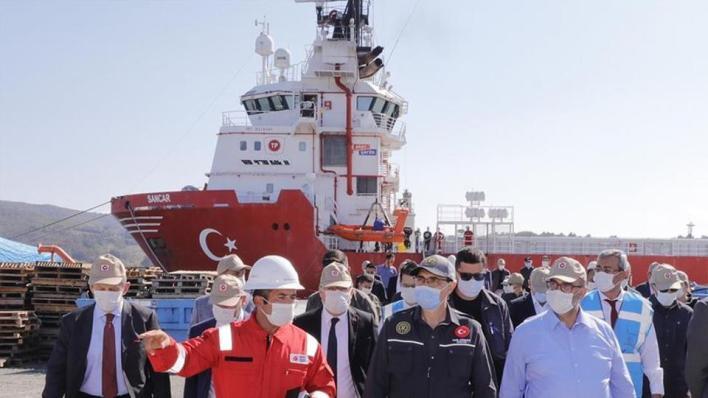 """9109395 854 481 4 2 - خلال 2021.. سفينة """"القانوني"""" تنضم إلى """"الفاتح"""" للتنقيب في البحر الأسود"""
