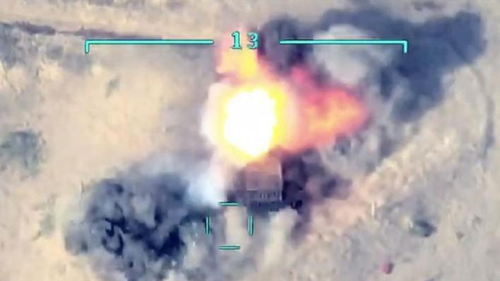 نشرت وزارة الدفاع الأذربيجانية مشاهد جوية جديدة تظهر استهداف قواتها لدبابات ومدرعات أرمينية