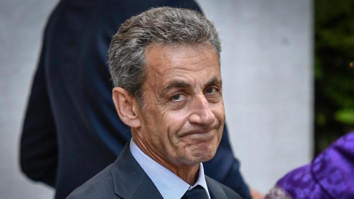 الرئيس الفرنسي الأسبق يواجه تهماً بالفساد وتشكيل عصابة إجرامية