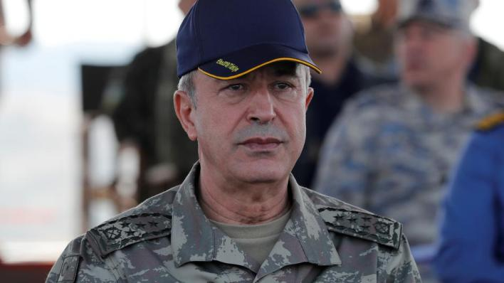 قال وزير الدفاع التركيإن أرمينيا مستمرة في ارتكاب جرائم حرب في حين يواصل المطالبون بالهدنة مشاهدة الهجمات الأرمينية عن بعد.