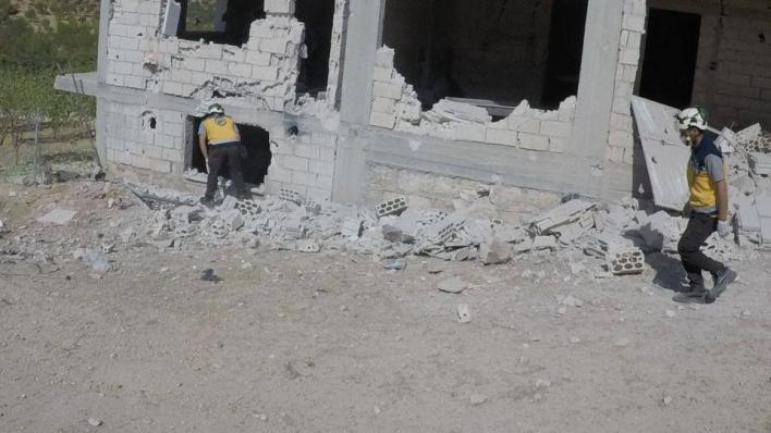 إصابة 5 مدنيينبينهم 3 أطفال وامرأة بغارات جوية روسية على إدلب