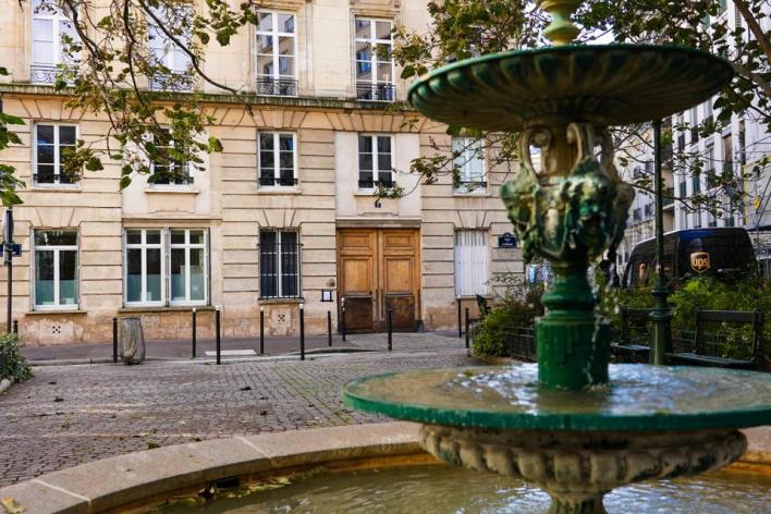 9363563 3896 2602 19 13 - الفكاك من التنميط.. مسلسل Emily in Paris