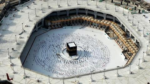 1604210725 9421071 2473 1393 12 165 - لأول مرة منذ كورونا.. السعودية تفتح الباب جزئياً لمعتمري الخارج