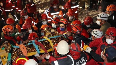 1604300889 9431461 854 481 4 2 - ارتفاع عدد ضحايا زلزال إزمير إلى 85
