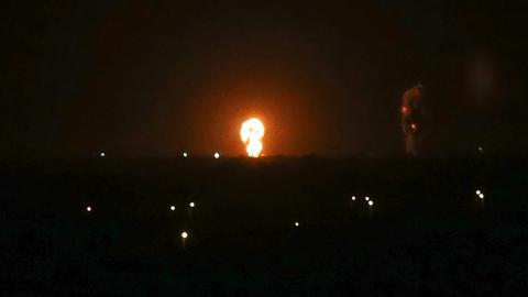 1605419128 5415320 3959 2230 19 298 - الجيش الإسرائيلي يقصف مواقع في قطاع غزة