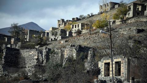 1605464054 9526008 5123 2885 51 4 - أذربيجان تمنح أرمينيا 10 أيام إضافية لإخلاء مدينة كلبجار