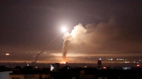 1605676574 8480844 1247 702 6 135 - مقتل 3 عسكريين من النظام السوري بغارات إسرائيلية