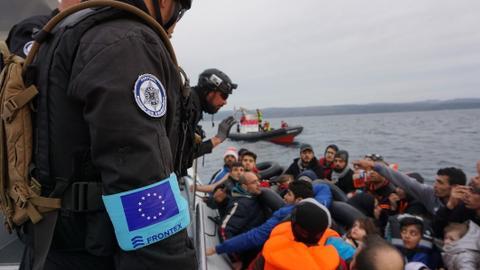 """1606460912 6843273 1062 598 5 43 - وثائق تثبت إصدار اليونان تعليمات رسمية لإعادة اللاجئين """"عنوة"""" إلى تركيا"""