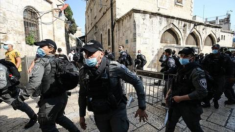 """1606487483 9642647 854 481 0 4 - الاحتلال الإسرائيلي يفرق مسيرات والشرطة تمنع فلسطينيين من الصلاة بـ""""الأقصى"""""""