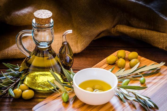 تُولِي الحكومة التركية بشجرة الزيتون ومنتجاتها الغذائية والتجميلية المتعددة اهتماماً خاصاً