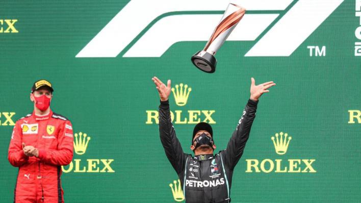 البريطاني لويس هاميلتون سائق فريق مرسيدس يحسم بطولة العالم للفورمولا-1 لصالحه