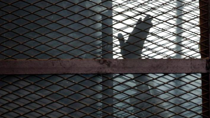 أوقفت السلطات المصرية عدداً من قيادات