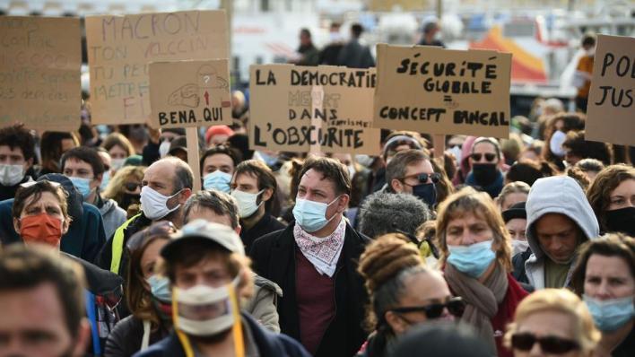 9591048 3660 2061 18 58 - مظاهرات فرنسا.. احتجاجات ضد مشروع قانون يُجرّم نشر صور أفراد الشرطة