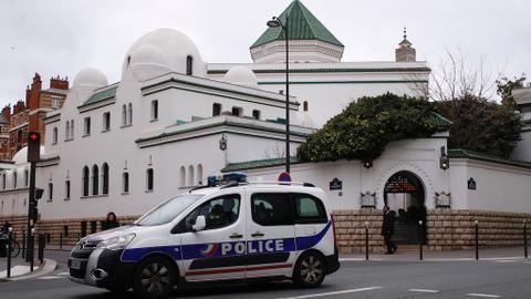 """1606974540 9689084 1023 576 0 63 - لمناهضة """"الانفصالية"""".. فرنسا تعتزم مراقبة أكثر من 70 مسجداً"""