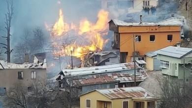 صورة بالفيديو …. حريق ضخم و مخيف يلتهم منازل قرية تركية واحد تلو الآخر