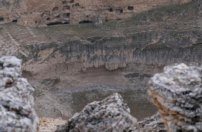 7 - بالصور.. أخدود تشيرالي العملاق المتشكل قبل الميلاد يواصل انهياره