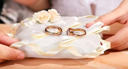 وفاة عروسين