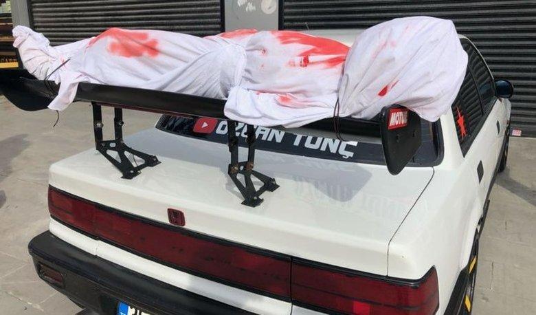 2948104 810x458 - سيارة أحد المواطنين تثير الذعر في أنحاء اسطنبول فما الحكاية