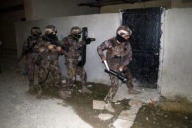 التركية 300x200 - عملية أمنية ضد تـ .ـجار المـ .ـمنوعات تنفذها السلطات التركية في إسطنبول