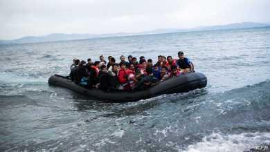 """صورة تركيا تتهم اليونان بإلقاء مهاجرين """"مصفدي الأيدي"""" في البحر وتعليق سليمان صويلو على الحادثة"""