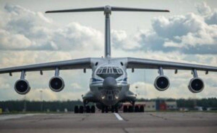 300x184 - على متنها شخصيات كبيرة.. طائرة روسية خاصة تصل قاعدة حميميم الجوية