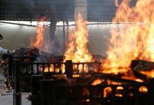صورة بعد انتقادات عنيفة.. الصين تحذف منشورا يسخر من محارق الجثث في الهند