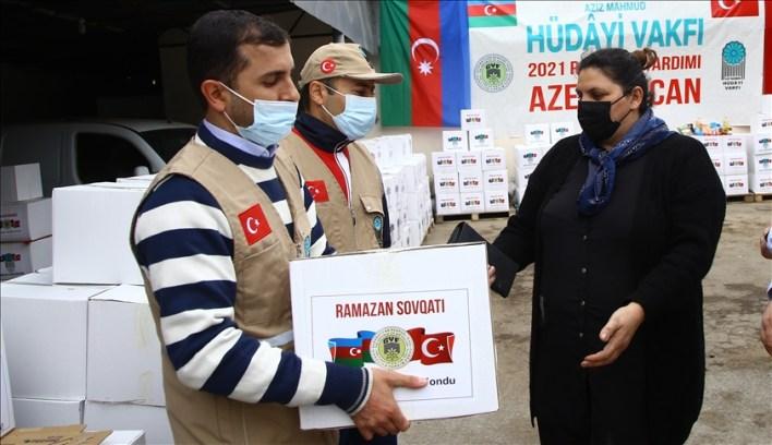 thumbs b c 5988834e9c74c6c9528cd37249454b22 - شاهد بالصور.. جمعية تركية توزع 4 آلاف طرد غذائي في هذه المنطقة