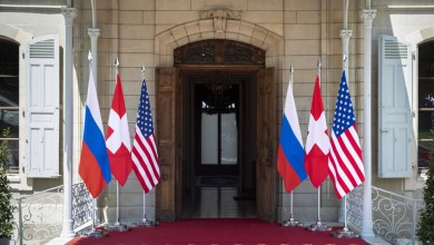 صورة اجتماع المشرعين الأمريكيين تحث بايدن على التعاون مع روسيا وتحـ.ـذير من حـ.ـرب نـ.ـوويـ.ـة قـ.ـادمـ.ـة