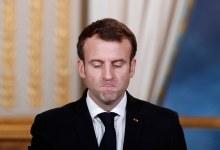 صورة شاهد بالفيديو لحظة صفـ.ـع ماكرون بالكف على وجهه من قبل مواطن فرنسي