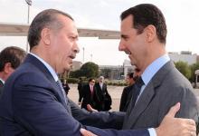 """صورة مسؤول عراقي يحسـ.ـم الجدل بشأن إمكانية توجيه دعوة لـ""""بشار الأسد"""" لحضور قمة دول الجوار في بغداد مع أردوغان"""
