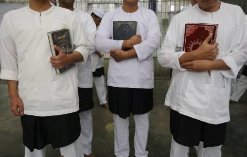 KLUANG 22 JUNE 2016. Sebahagian daripada banduan ketika mengikuti kelas tahfiz di Pejara Kluang, Johor. FOTO Syarafiq Abd Samad