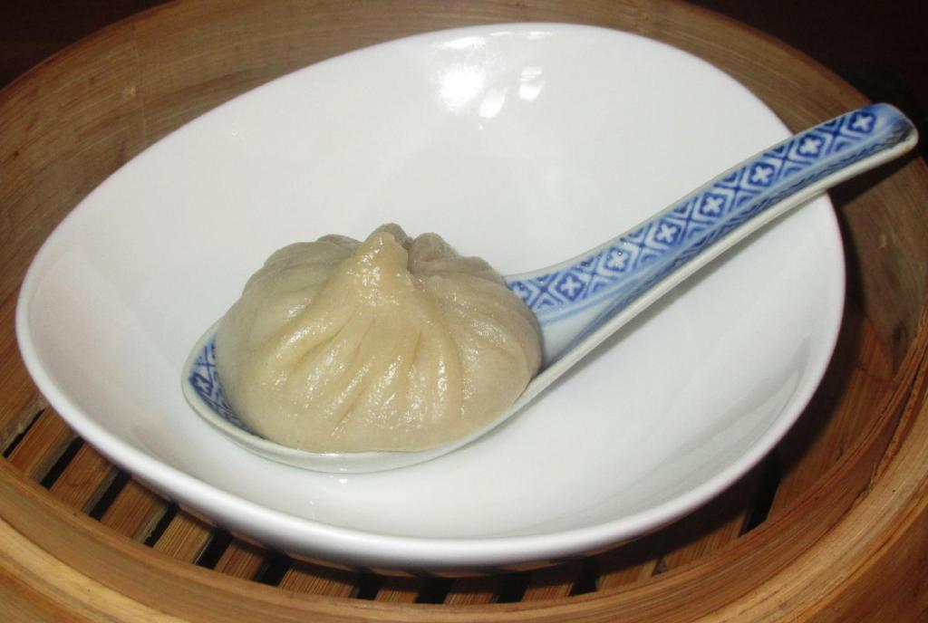Homemade Xiaolongbao - 小笼包
