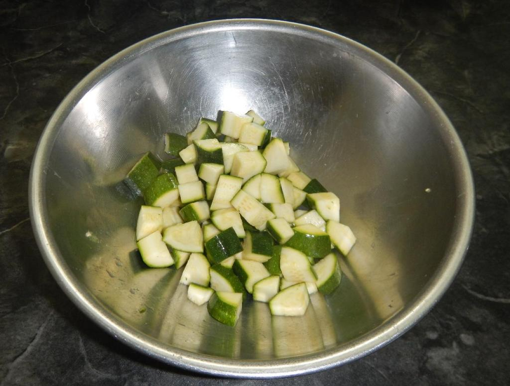 Zucchini pieces with Lemon Juice